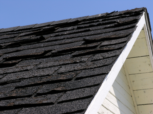 3 Red Flags Warning of Roof Replacement in Your Future